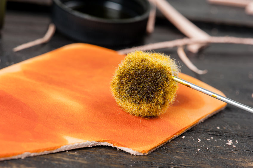 leather brush dyeing